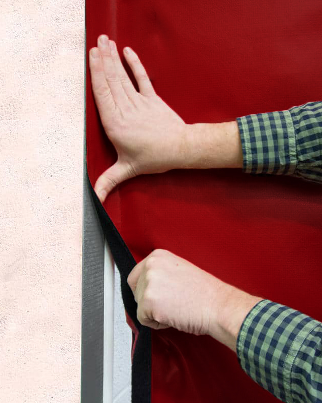 lightly-insulated-curtain-amcraft-manfacturing-seal-wall-01