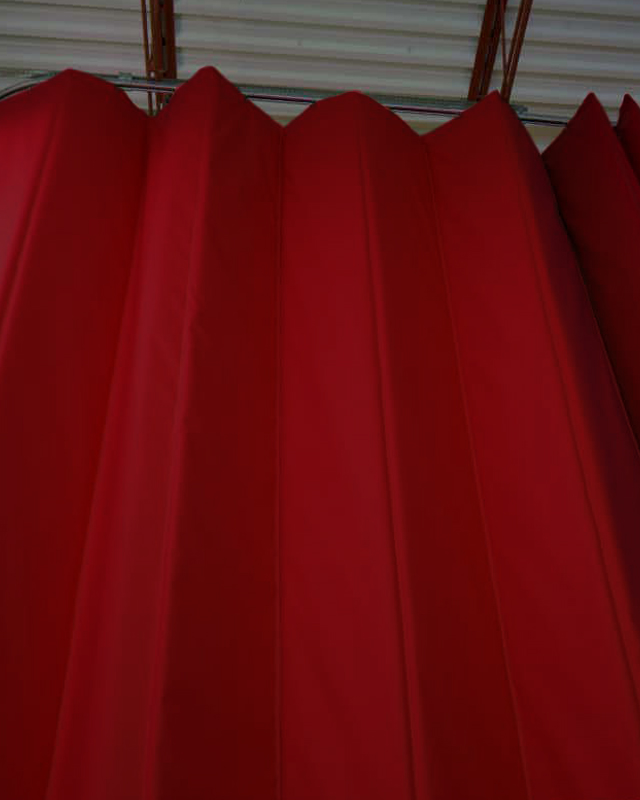 lightly-insulated-curtain-amcraft-manfacturing-sideview-01